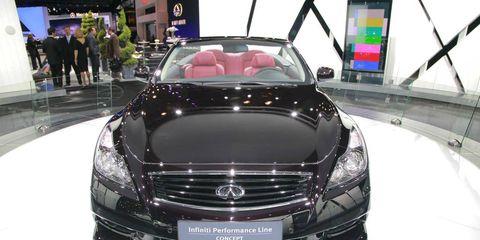 Automotive design, Vehicle, Land vehicle, Grille, Car, Personal luxury car, Luxury vehicle, Hood, Automotive lighting, Bumper,