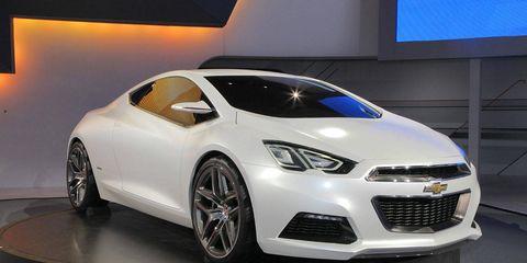 Motor vehicle, Wheel, Automotive design, Product, Vehicle, Land vehicle, Headlamp, Car, Automotive lighting, Hood,