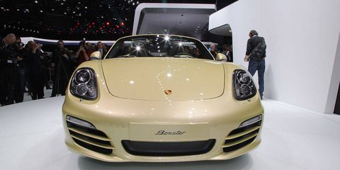 Motor vehicle, Automotive design, Vehicle, Land vehicle, Car, Sports car, Bumper, Automotive lighting, Vehicle registration plate, Personal luxury car,