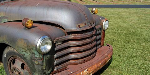 Motor vehicle, Automotive design, Grass, Vehicle, Grille, Rust, Fender, Bumper, Classic, Hood,