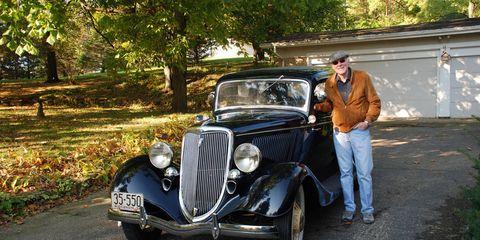 Vehicle, Land vehicle, Automotive design, Classic car, Photograph, Car, Antique car, Classic, Fender, Automotive lighting,