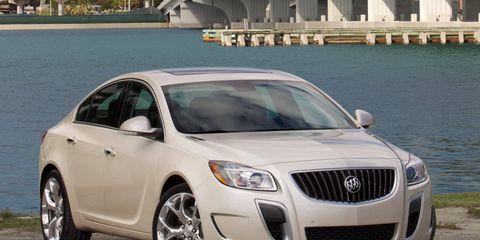 Motor vehicle, Mode of transport, Vehicle, Land vehicle, Infrastructure, Car, Automotive lighting, Grille, Headlamp, Rim,