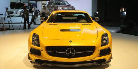 Mode of transport, Automotive design, Vehicle, Land vehicle, Grille, Car, Hood, Personal luxury car, Mercedes-benz, Performance car,