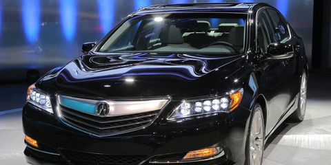 Automotive design, Vehicle, Land vehicle, Automotive lighting, Car, Grille, Headlamp, Technology, Glass, Automotive mirror,