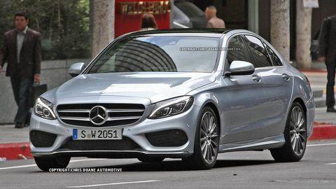 Wheel, Mode of transport, Automotive design, Vehicle, Land vehicle, Car, Personal luxury car, Mercedes-benz, Alloy wheel, Rim,