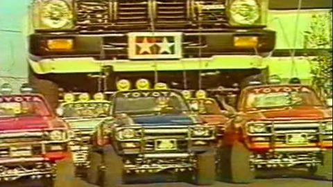 Motor vehicle, Mode of transport, Automotive design, Transport, Yellow, Automotive exterior, Vehicle, Green, Land vehicle, Automotive parking light,