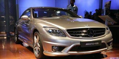 Tire, Mode of transport, Automotive design, Vehicle, Wood, Land vehicle, Headlamp, Automotive lighting, Car, Grille,
