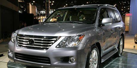 Motor vehicle, Mode of transport, Land vehicle, Vehicle, Automotive mirror, Transport, Automotive design, Automotive lighting, Glass, Headlamp,