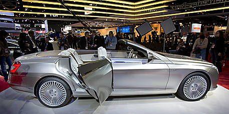 Wheel, Automotive design, Vehicle, Land vehicle, Car, Alloy wheel, Personal luxury car, Spoke, Fender, Automotive wheel system,