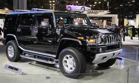 Tire, Wheel, Motor vehicle, Automotive tire, Automotive design, Mode of transport, Vehicle, Automotive exterior, Land vehicle, Hood,