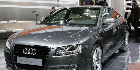 Automotive design, Mode of transport, Vehicle, Event, Grille, Car, Audi, Personal luxury car, Headlamp, Alloy wheel,