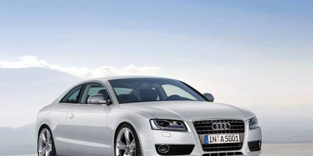 Tire, Automotive mirror, Mode of transport, Automotive design, Transport, Vehicle, Headlamp, Hood, Automotive parking light, Grille,