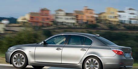 Tire, Wheel, Mode of transport, Automotive design, Alloy wheel, Vehicle, Spoke, Rim, Automotive tire, Car,
