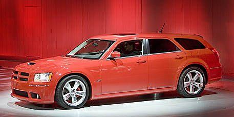 Tire, Wheel, Automotive design, Vehicle, Transport, Land vehicle, Rim, Automotive tire, Alloy wheel, Car,