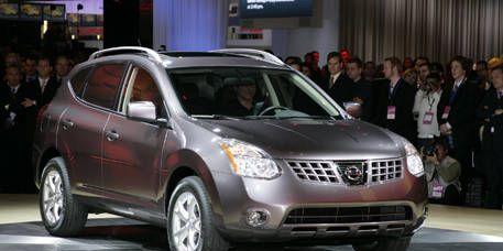 Motor vehicle, Tire, Mode of transport, Vehicle, Event, Transport, Land vehicle, Car, Automotive mirror, Technology,