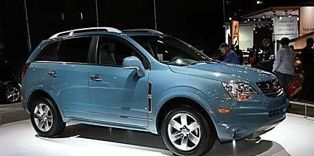 Tire, Motor vehicle, Wheel, Automotive design, Vehicle, Automotive tire, Land vehicle, Car, Glass, Rim,