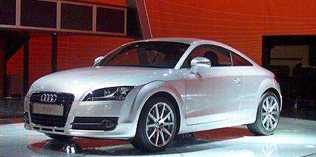 Tire, Wheel, Automotive design, Automotive mirror, Vehicle, Land vehicle, Car, Automotive lighting, Grille, Rim,
