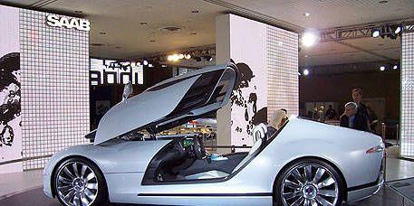 Tire, Wheel, Automotive design, Vehicle, Vehicle door, Alloy wheel, Concept car, Car, Rim, Automotive wheel system,