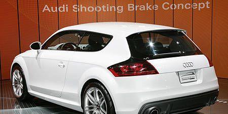 Tire, Motor vehicle, Automotive design, Mode of transport, Vehicle, Automotive exterior, Land vehicle, Automotive lighting, Car, Automotive tire,