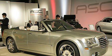 Tire, Wheel, Motor vehicle, Automotive design, Vehicle, Land vehicle, Grille, Hood, Rim, Automotive tire,