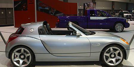 Tire, Wheel, Motor vehicle, Mode of transport, Automotive design, Vehicle, Automotive tire, Land vehicle, Alloy wheel, Automotive wheel system,