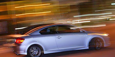 Tire, Wheel, Automotive design, Vehicle, Alloy wheel, Rim, Automotive tire, Automotive lighting, Spoke, Automotive wheel system,