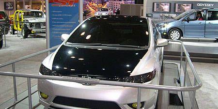 Motor vehicle, Mode of transport, Automotive mirror, Automotive design, Vehicle, Transport, Product, Land vehicle, Automotive exterior, Event,