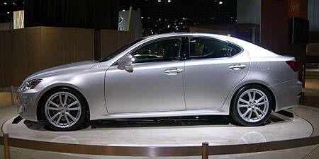 Wheel, Tire, Vehicle, Alloy wheel, Car, Rim, Mid-size car, Full-size car, Executive car, Sedan,
