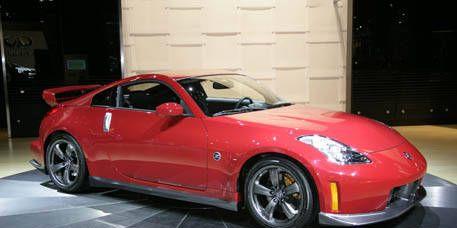 Tire, Wheel, Automotive design, Vehicle, Land vehicle, Alloy wheel, Rim, Performance car, Car, Hood,