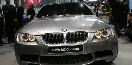 Motor vehicle, Automotive design, Automotive exterior, Vehicle, Land vehicle, Grille, Automotive lighting, Hood, Vehicle registration plate, Car,