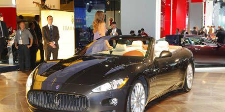 Mode of transport, Automotive design, Vehicle, Land vehicle, Car, Performance car, Personal luxury car, Luxury vehicle, Grille, Sports car,