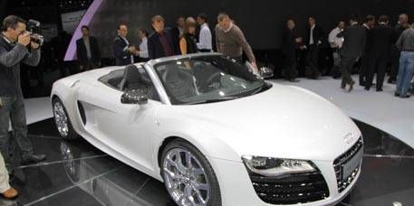Mode of transport, Automotive design, Vehicle, Event, Land vehicle, Car, Transport, Personal luxury car, Concept car, Sports car,