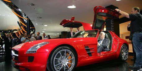 Tire, Wheel, Mode of transport, Automotive design, Vehicle, Land vehicle, Car, Sports car, Performance car, Supercar,