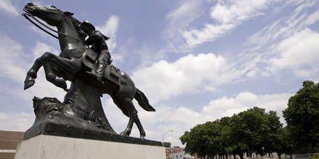 Sculpture, Cloud, Horse, Landmark, Working animal, Monument, Statue, Memorial, Bronze sculpture, Cumulus,