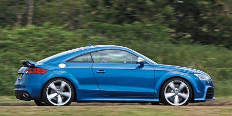 Tire, Wheel, Blue, Automotive design, Vehicle, Alloy wheel, Rim, Car, Red, Fender,