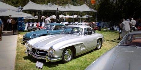 Mode of transport, Automotive design, Vehicle, Land vehicle, Transport, Car, Classic car, Personal luxury car, Headlamp, Fender,
