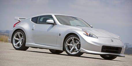 Tire, Wheel, Automotive design, Vehicle, Land vehicle, Automotive lighting, Car, Rim, Alloy wheel, Automotive exterior,