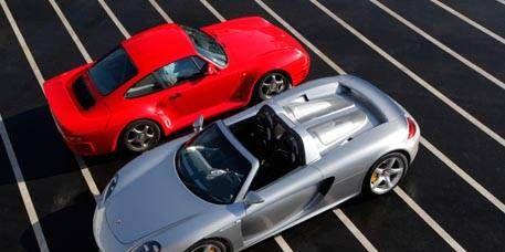 Wheel, Tire, Automotive design, Vehicle, Alloy wheel, Land vehicle, Car, Automotive parking light, Performance car, Rim,