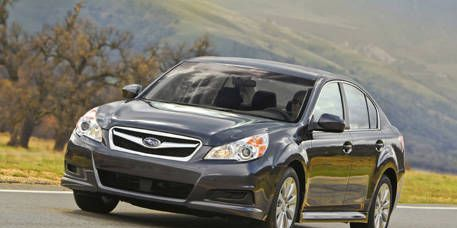 Tire, Wheel, Road, Vehicle, Automotive lighting, Headlamp, Infrastructure, Glass, Automotive design, Rim,