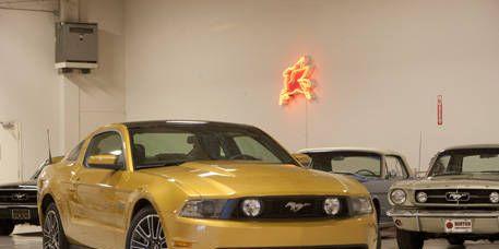 Motor vehicle, Tire, Mode of transport, Vehicle, Yellow, Transport, Hood, Land vehicle, Automotive design, Headlamp,
