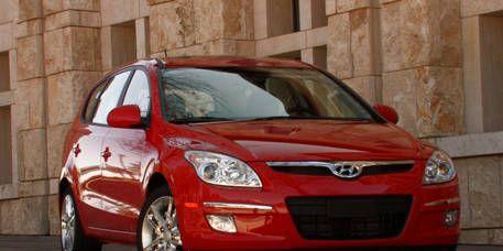 Tire, Motor vehicle, Mode of transport, Vehicle, Automotive design, Glass, Land vehicle, Hood, Automotive mirror, Car,