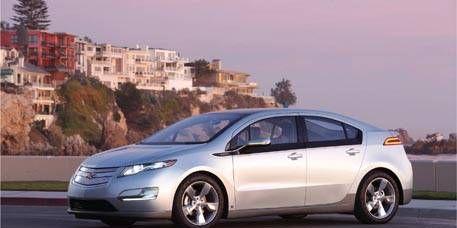 Tire, Wheel, Mode of transport, Automotive mirror, Vehicle, Transport, Land vehicle, Automotive design, Car, Alloy wheel,