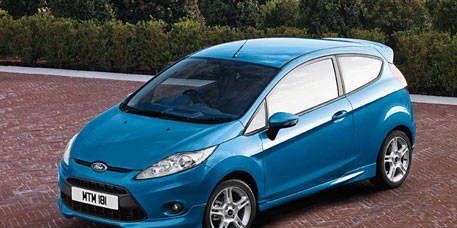 Tire, Motor vehicle, Wheel, Automotive mirror, Mode of transport, Automotive design, Blue, Daytime, Vehicle, Land vehicle,