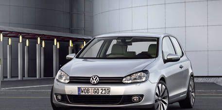 Motor vehicle, Automotive design, Automotive mirror, Daytime, Vehicle, Headlamp, Car, Transport, Automotive exterior, Vehicle registration plate,