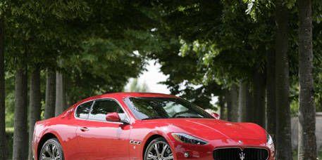 Mode of transport, Automotive design, Vehicle, Land vehicle, Car, Performance car, Red, Rim, Alloy wheel, Fender,