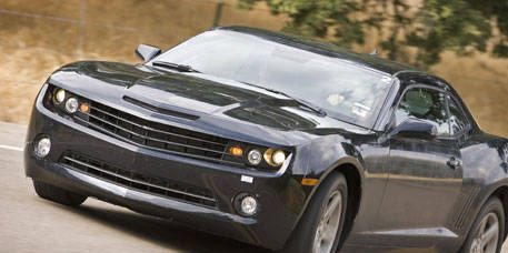 Tire, Wheel, Mode of transport, Automotive design, Automotive tire, Daytime, Transport, Vehicle, Automotive lighting, Headlamp,