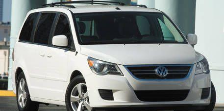 Motor vehicle, Automotive mirror, Mode of transport, Transport, Vehicle, Glass, Product, Land vehicle, Automotive lighting, Automotive exterior,