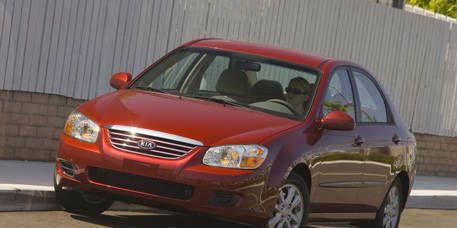 Tire, Motor vehicle, Wheel, Automotive mirror, Vehicle, Automotive design, Hood, Automotive parking light, Automotive lighting, Transport,
