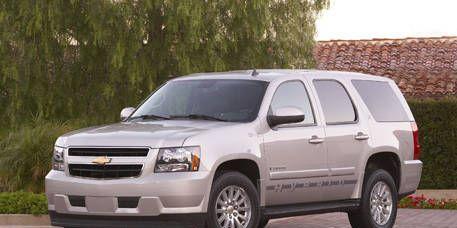 Tire, Wheel, Motor vehicle, Automotive mirror, Automotive tire, Mode of transport, Vehicle, Natural environment, Window, Land vehicle,