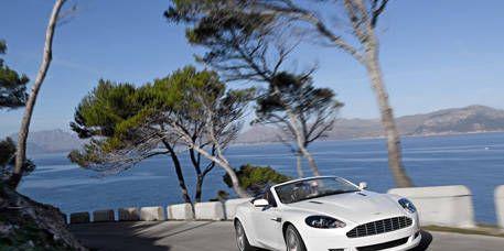 Nature, Mode of transport, Automotive design, Coastal and oceanic landforms, Grille, Rim, Photograph, Landscape, Car, Fender,